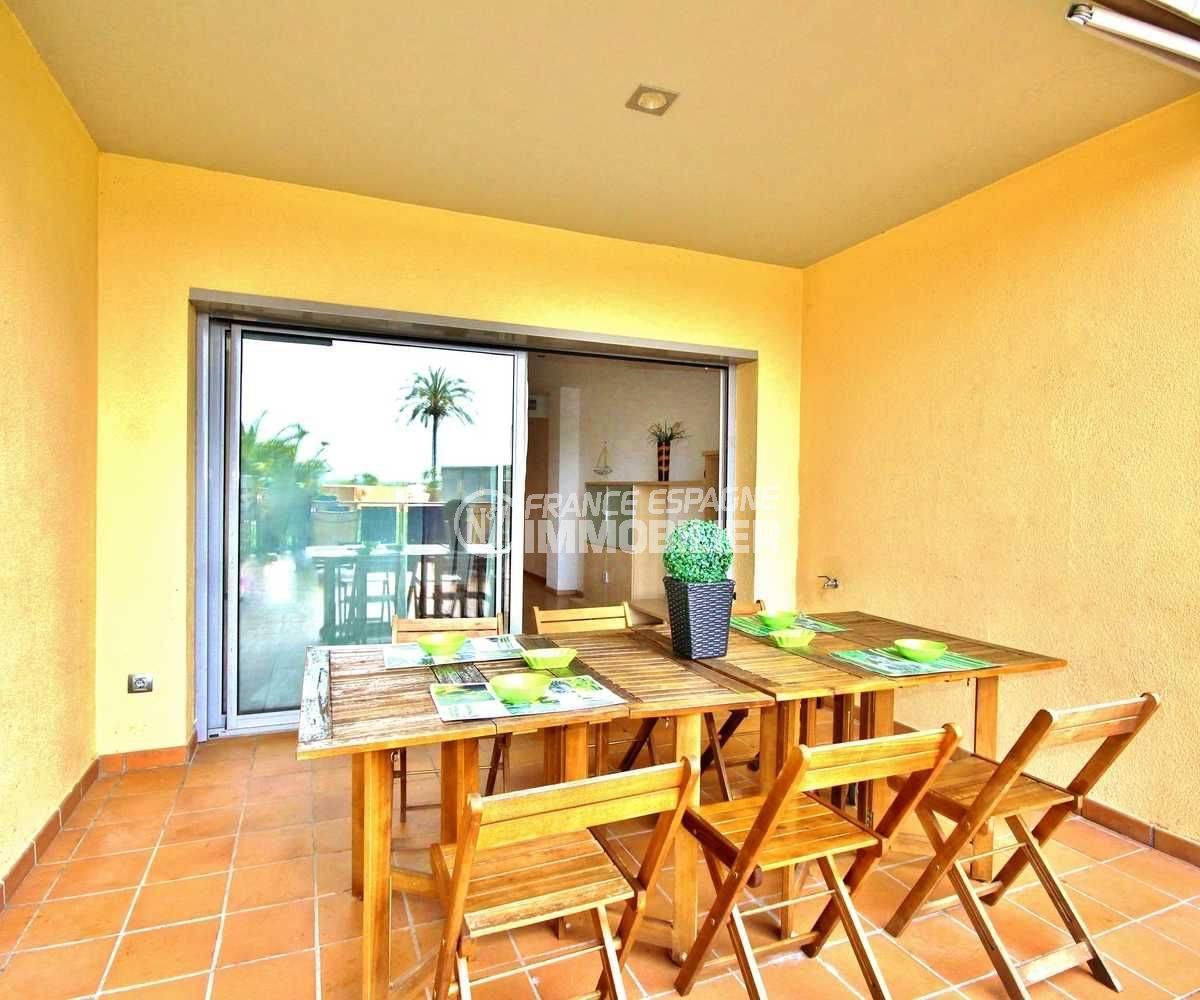 agence immobiliere rosas santa margarita: appartement 80 m² avec terrasse vue canal & piscine