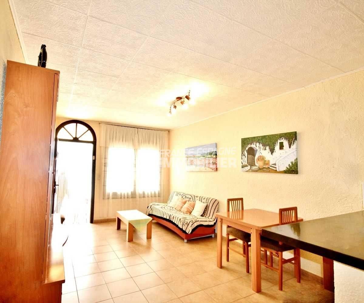 maison costa brava, ref.3648, aperçu du séjour / coin repas avec accès à la terrasse