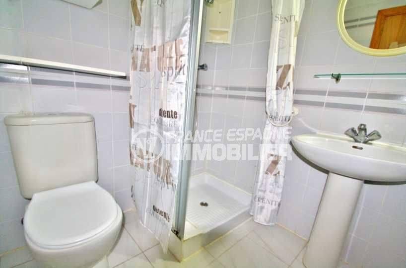immobilier empuriabrava: studio ref.3639, salle d'eau avec wc