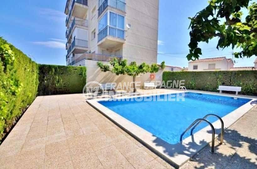 immobilier roses espagne: appartement ref.3637, aperçu de la piscine communautaire