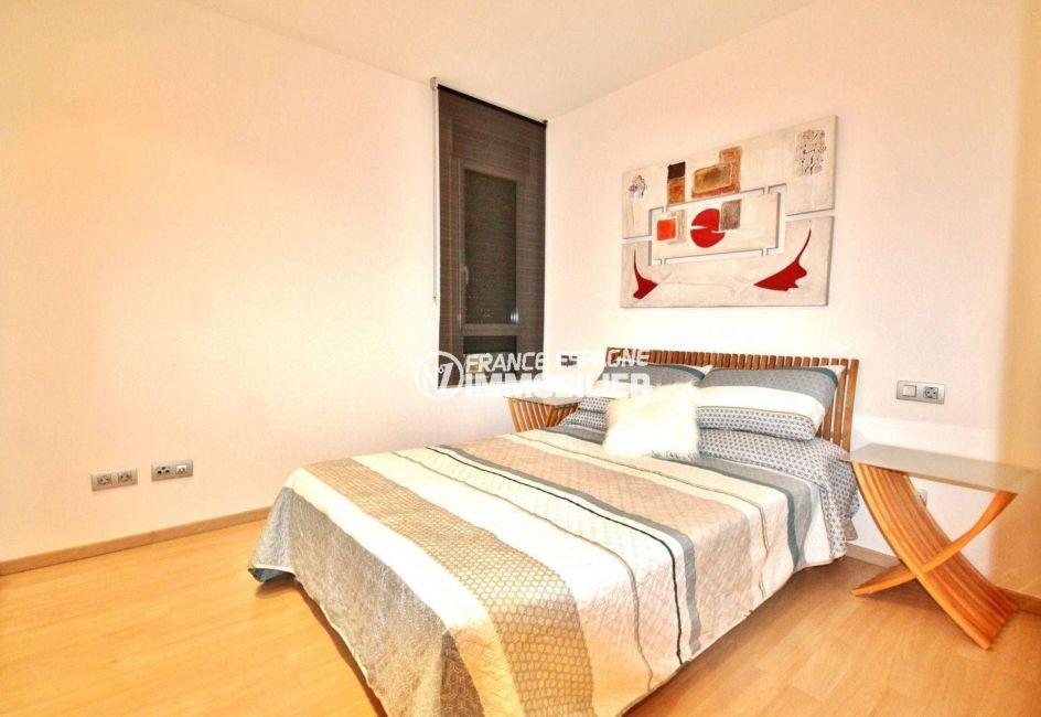 santa margarita rosas: appartement 69 m² avec grande terrasse, seconde chambre avec lit double