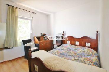 immobilier roses espagne: appartement ref.3633, première chambre avec lit double