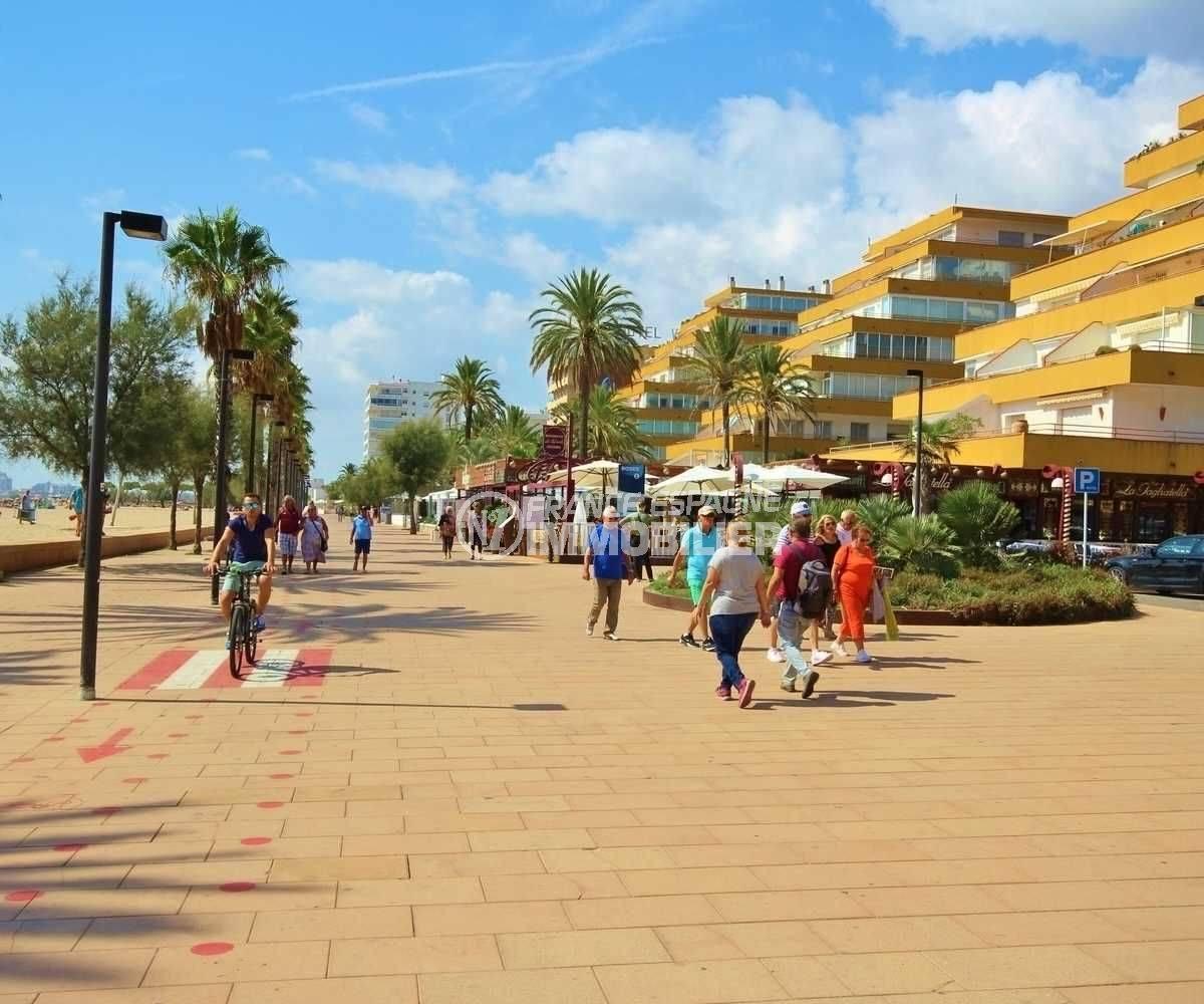 immocenter roses: appartement ref.3637, proche plage et commerces aux environs