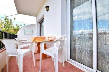 appartement à vendre rosas: grande terrasse, plage à 10 min, proche centre-ville