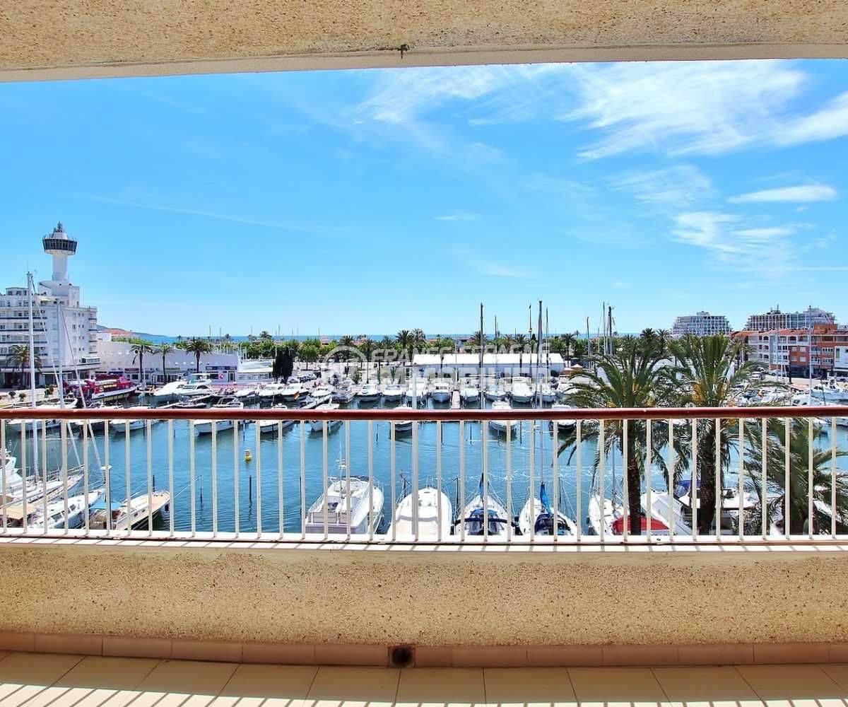 appartement empuriabrava, 81 m² avec terrasse vue mer et canal