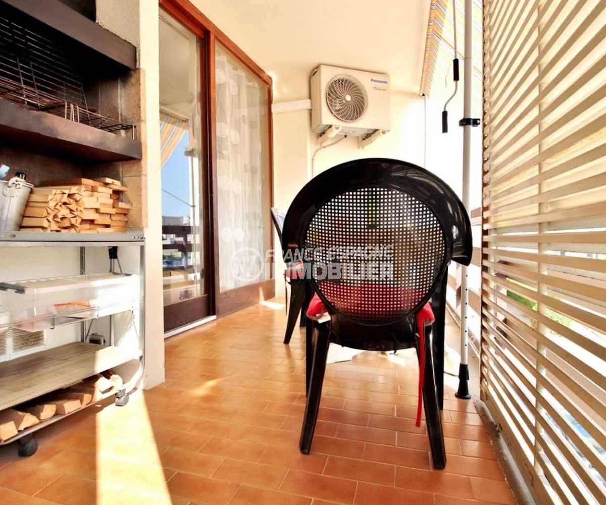 vente appartement rosas, ref.3666, aperçu de la terrasse avec l'accès au séjour