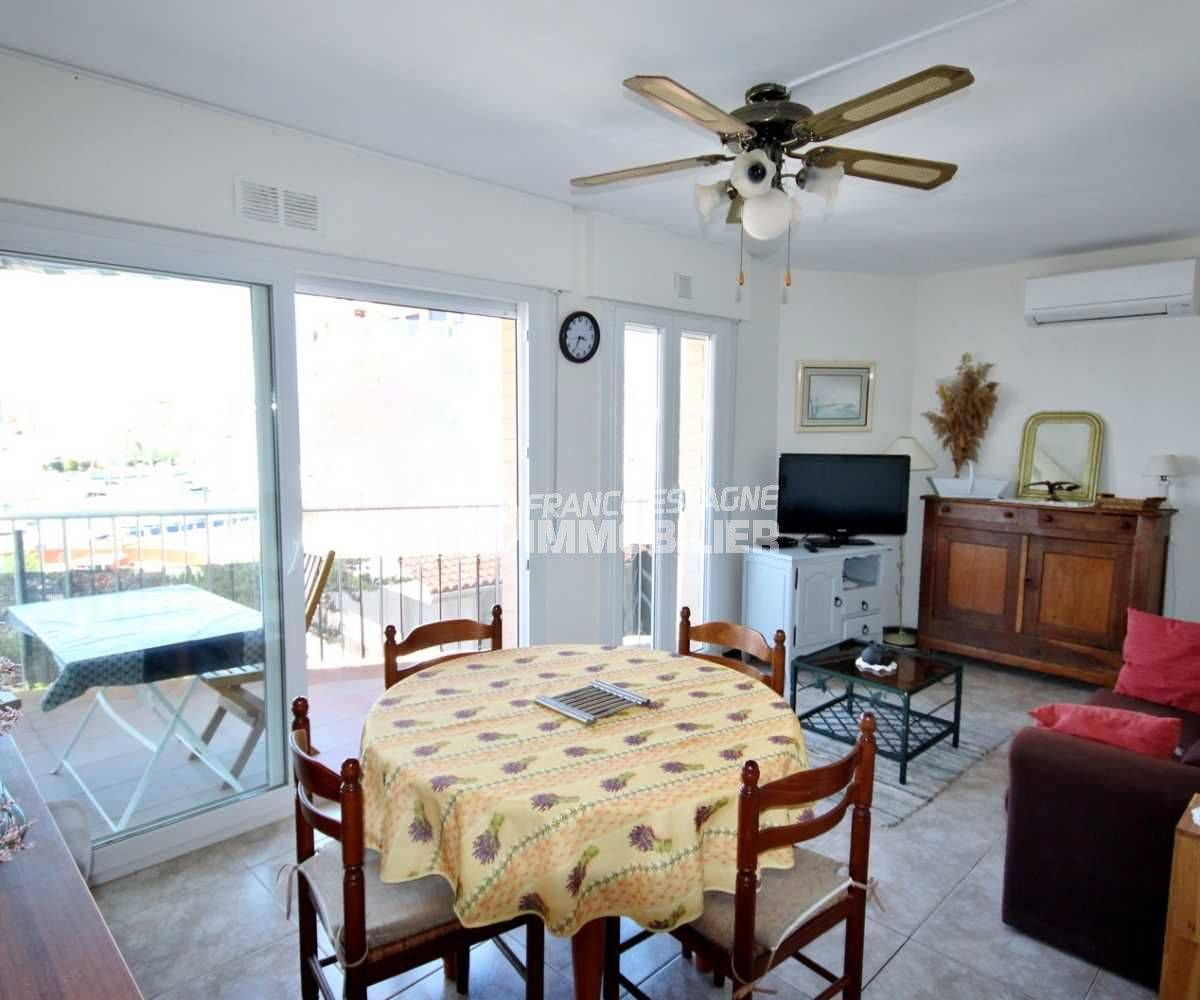 appartements a vendre a rosas, ref.3671, pièce principale / séjour accès terrasse
