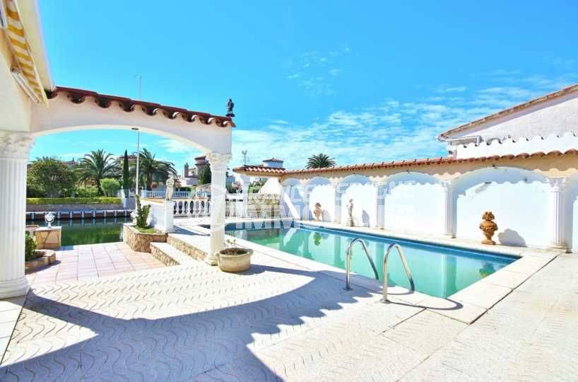 agence immobilière empuriabrava, N1 France Espagne vend villa 216 m², piscine & amarre