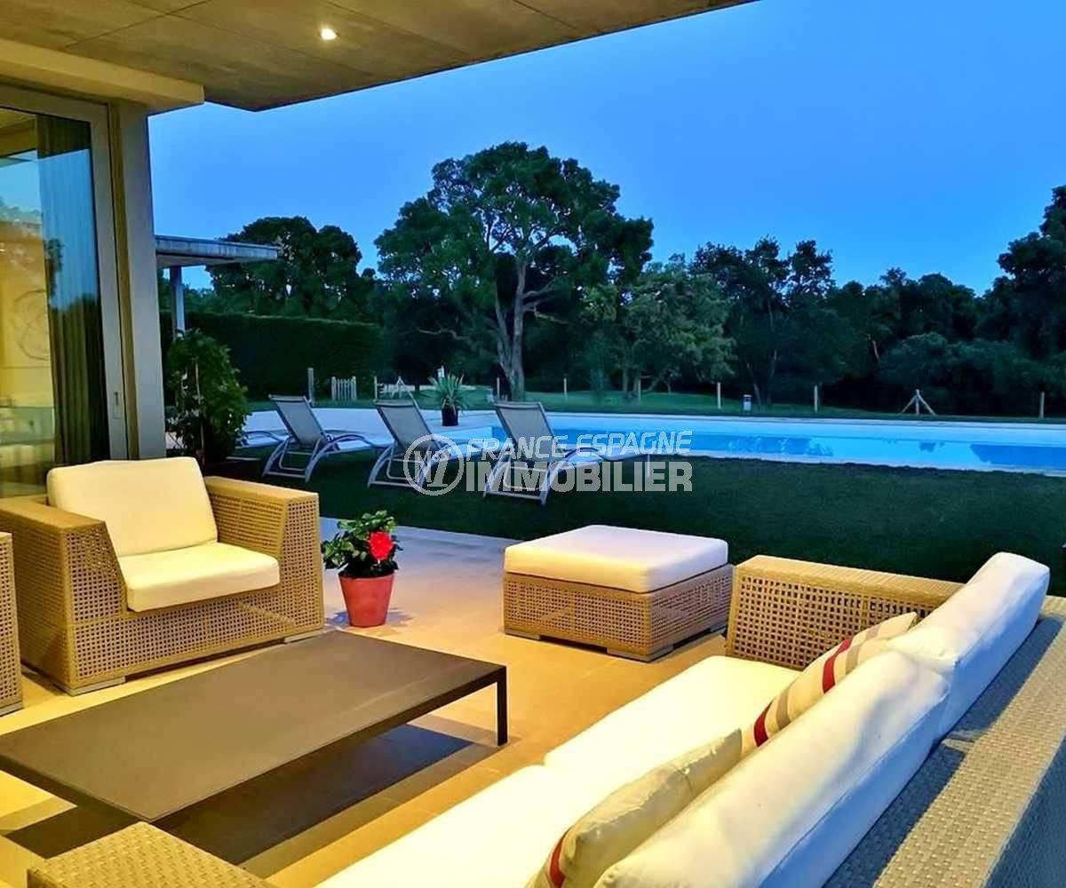 agence immobilière costa brava: ref.3682, coin détente près de la piscine 10 m x 5 m