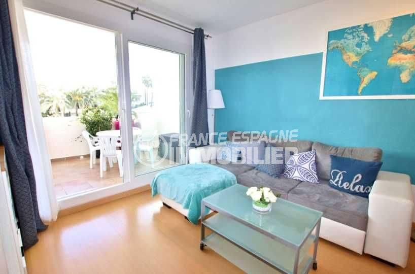 immo roses: appartement ref.3665, séjour avec accès sur la terrasse
