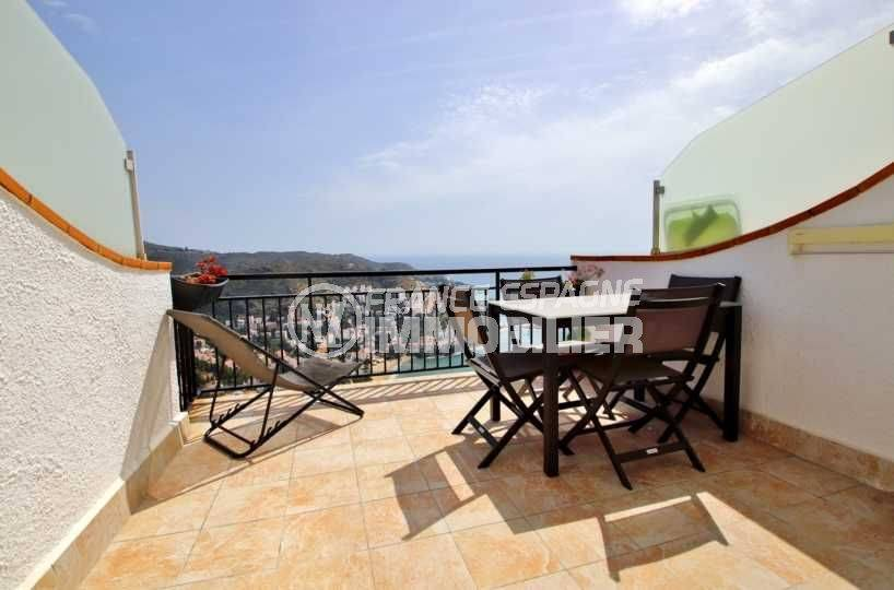 immocenter roses, appartement 54 m² terrasse vue mer