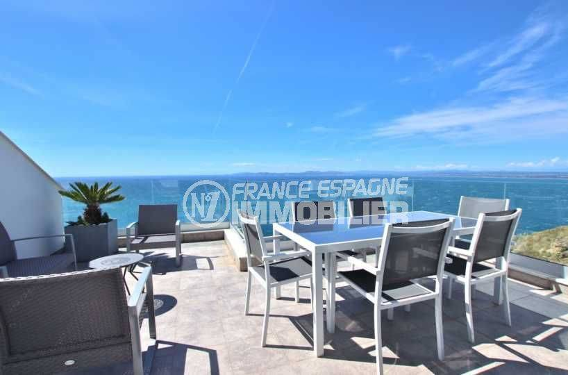 immo roses: villa récente avec garage et piscine, vue mer, proche plage et commerces