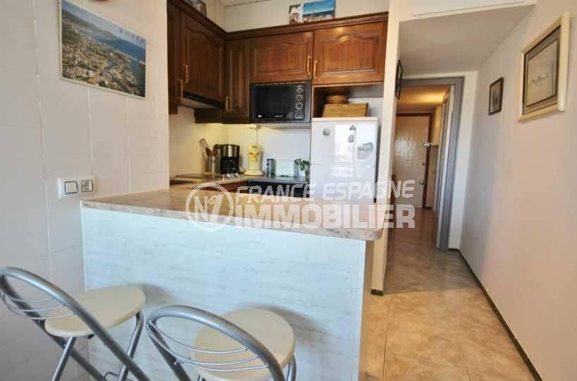 immobilier roses espagne: appartement ref.3671, bar et cuisine équipée