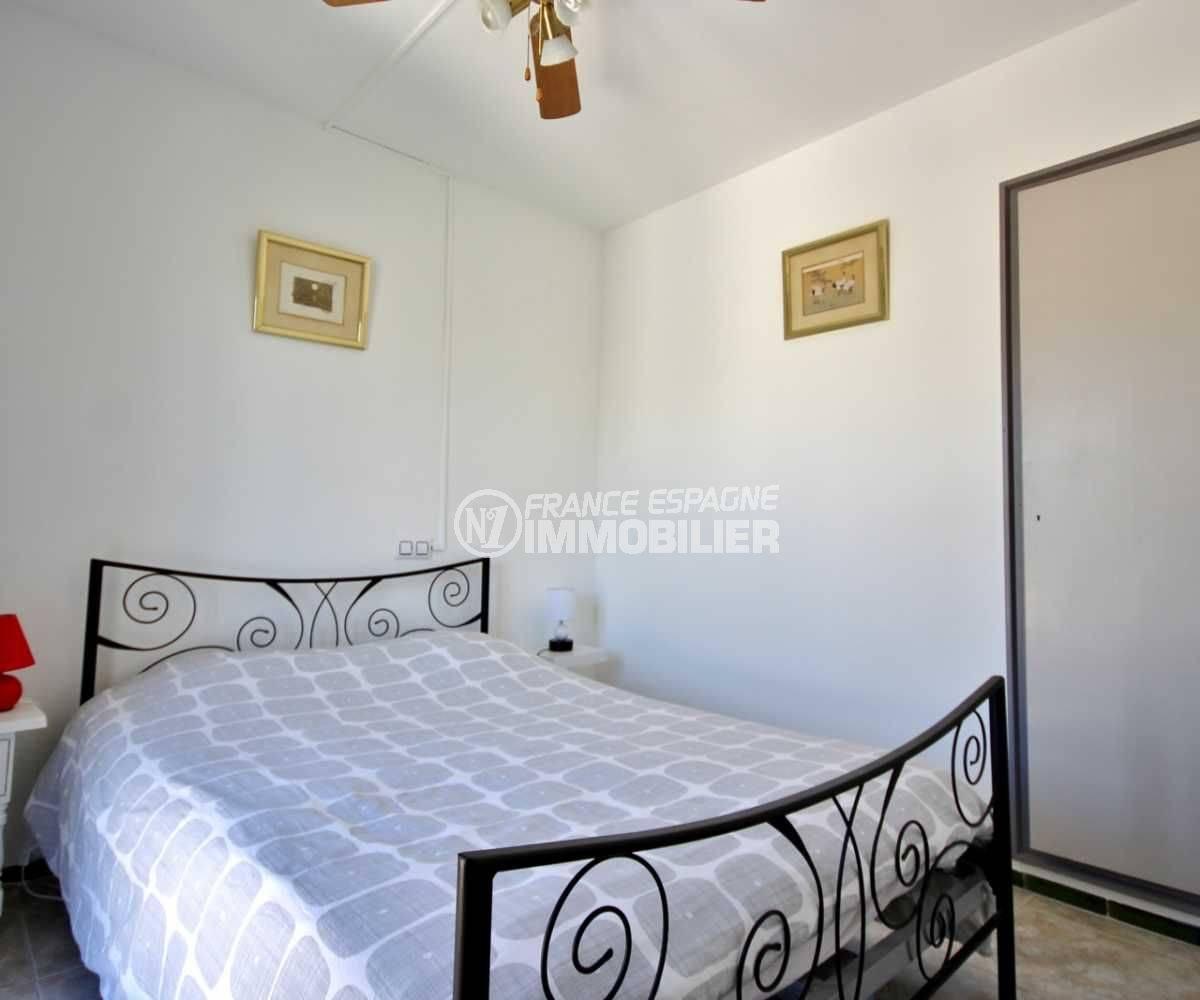appartement a vendre a rosas, ref.3671, chambre 1, lit double, penderie intégrée