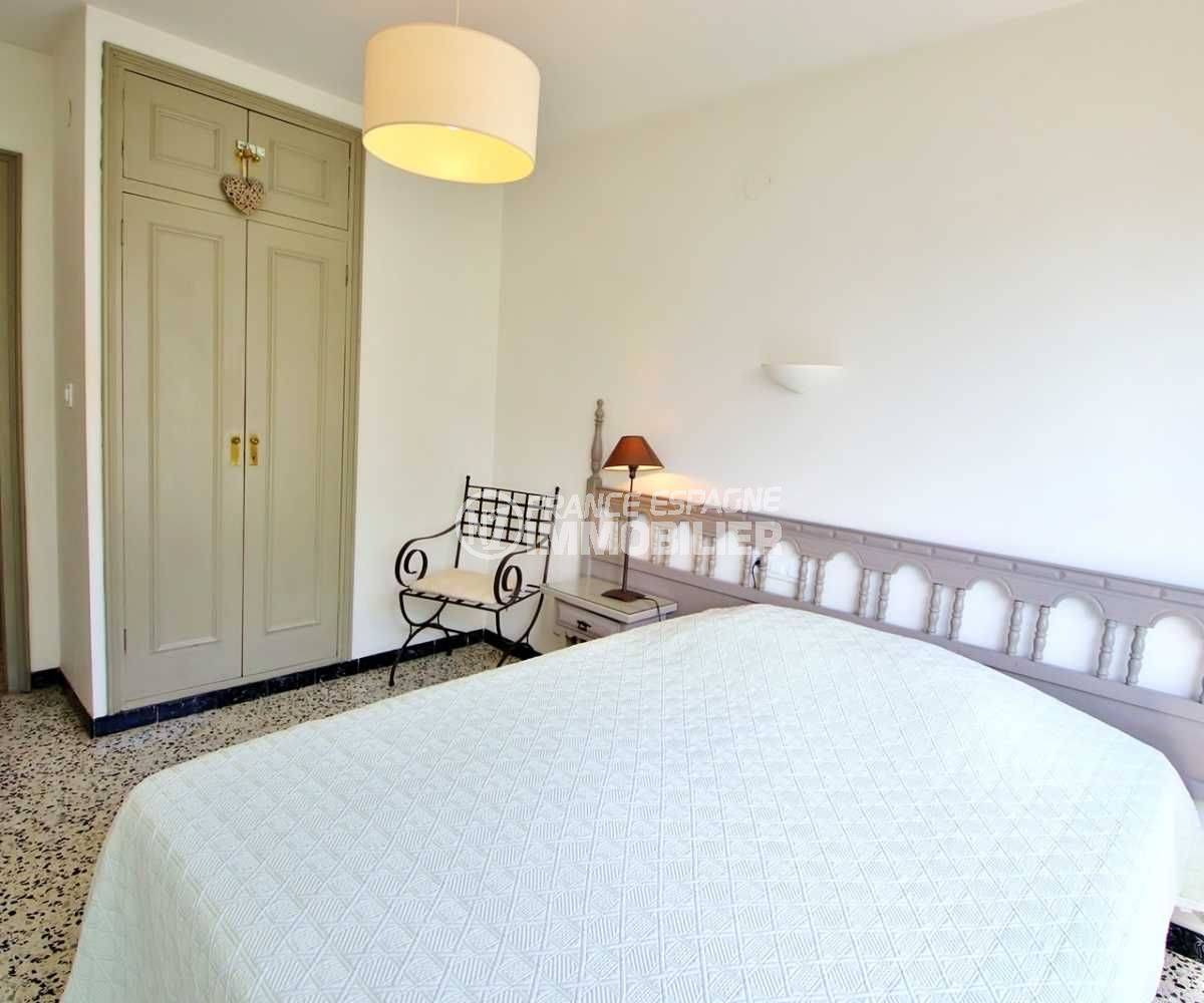 immo espagne costa brava: appartement ref.3679, première chambre avec placards