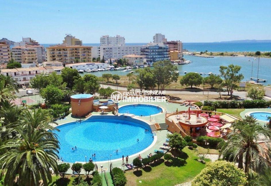 achat appartement rosas, 35 m², résidence standing vue sur la piscine, jacuzzi et tennis