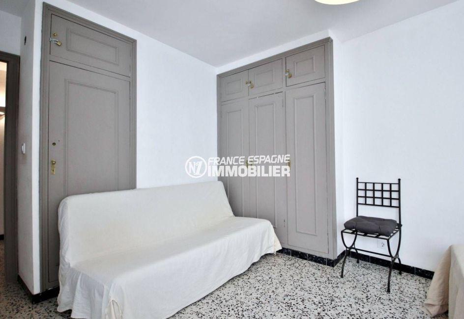 immobilier rosas espagne: appartement ref.3679, deuxième chambre avec canapé convertible