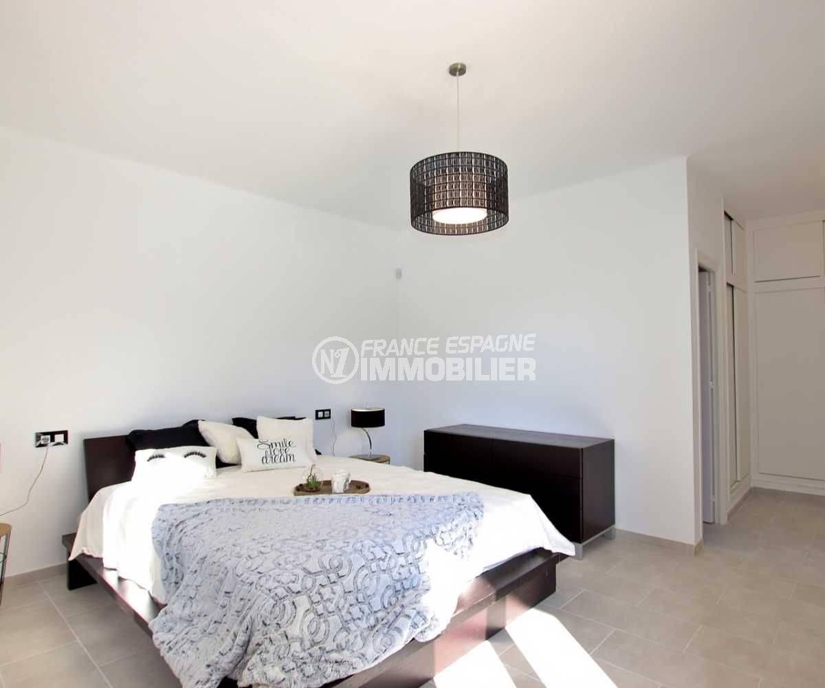 vente immobiliere rosas espagne: villa ref.3512, chambre 1 avec un lit double et un placard