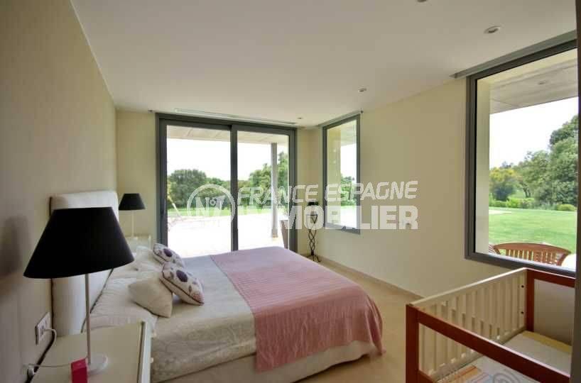 immobilier costa brava bord de mer: villa ref.3682, suite parentale avec accès piscine