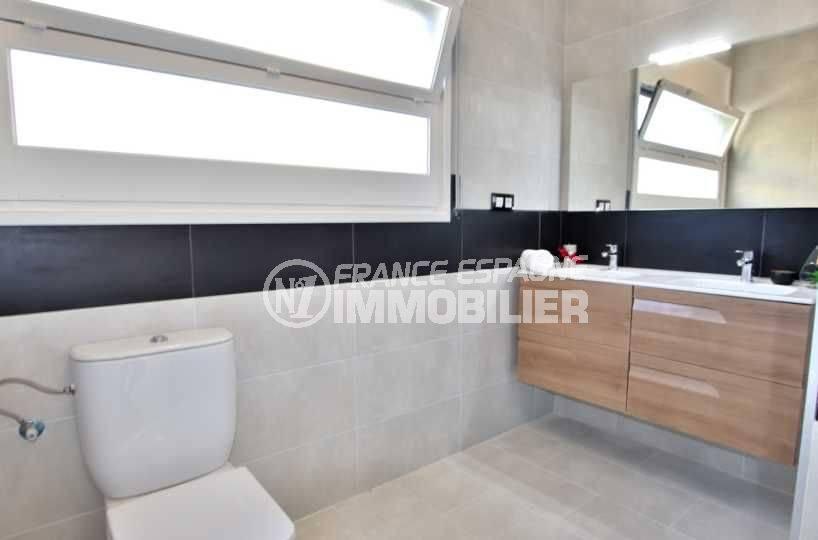 ventes immobilieres rosas espagne: villa ref.3512, double vasques avec des rangements et un wc