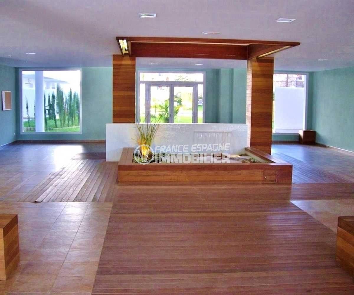 achat appartement rosas, ref.3665, hall d'entrée de la résidence avec accès à la picine communautaire