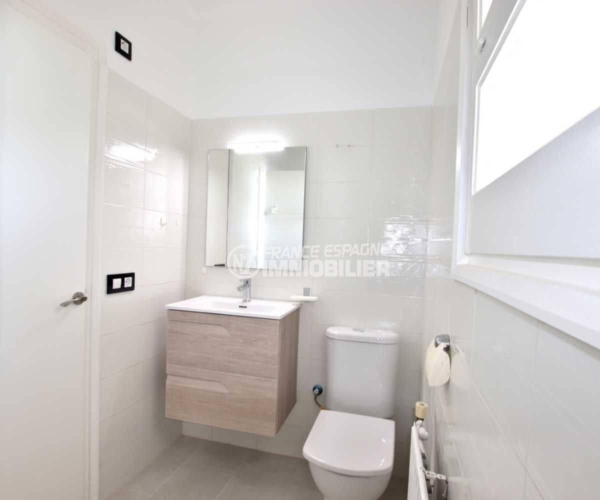maison a vendre espagne rosas, ref.3512, aperçu du wc / lavabo de la deuxième salle d'eau