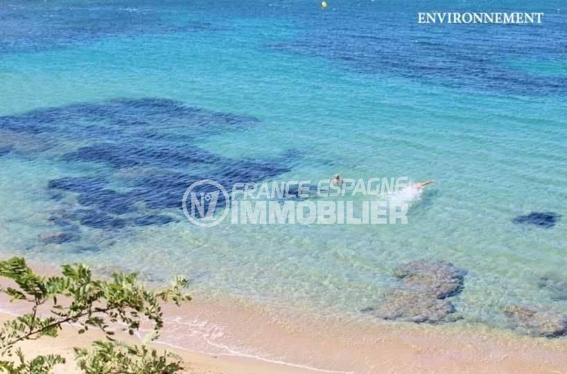 immo center roses: appartement ref.3664, vue plongeante sur la plage à proximité