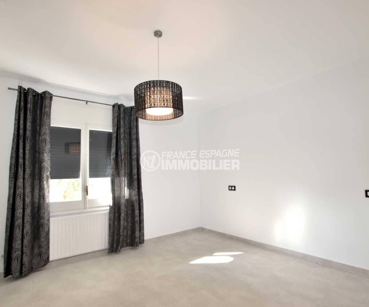 agence rosas: villa ref.3512, troisième chambre avec des volets roulants