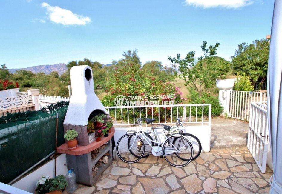 immobilier costa brava: ref.3705, vue sur la double terrasse avec barbecue