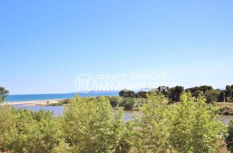 immobilier espagne pas cher: villa rénovée à 100 m de la plage d'empuriabrava