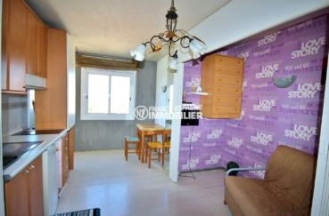 achat appartement empuriabrava, proche plage, pièce principale avec cuisine ouverte