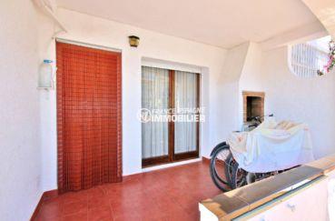 agence immo empuriabrava: villa 75 m², deuxième terrasse avec un espace détente