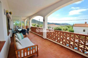 immo roses: maison 463 m² , la terrasse avec vue mer, ref.3702