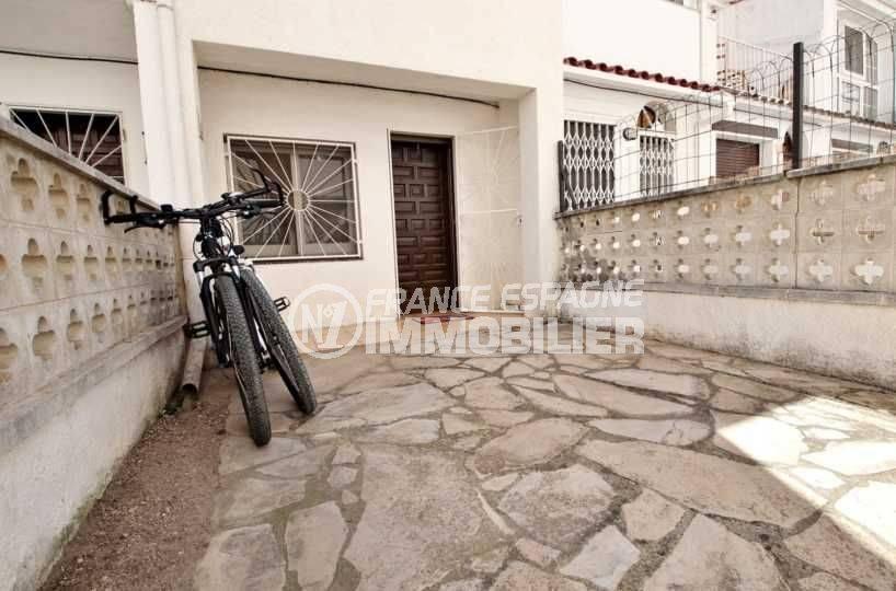 maison a vendre costa brava pas cher: rénovée à 100 m de la plage d'empuriabrava