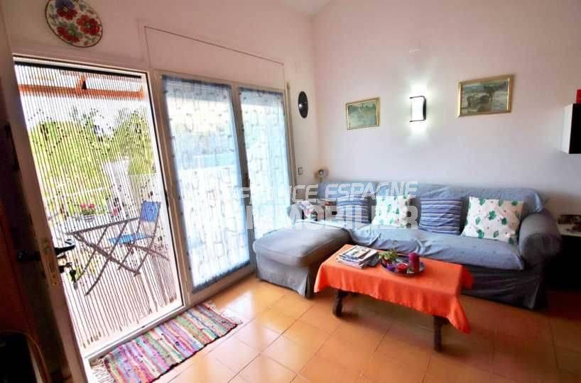 maison a vendre espagne costa brava, ref.3705, aperçu du séjour avec accès terrasse