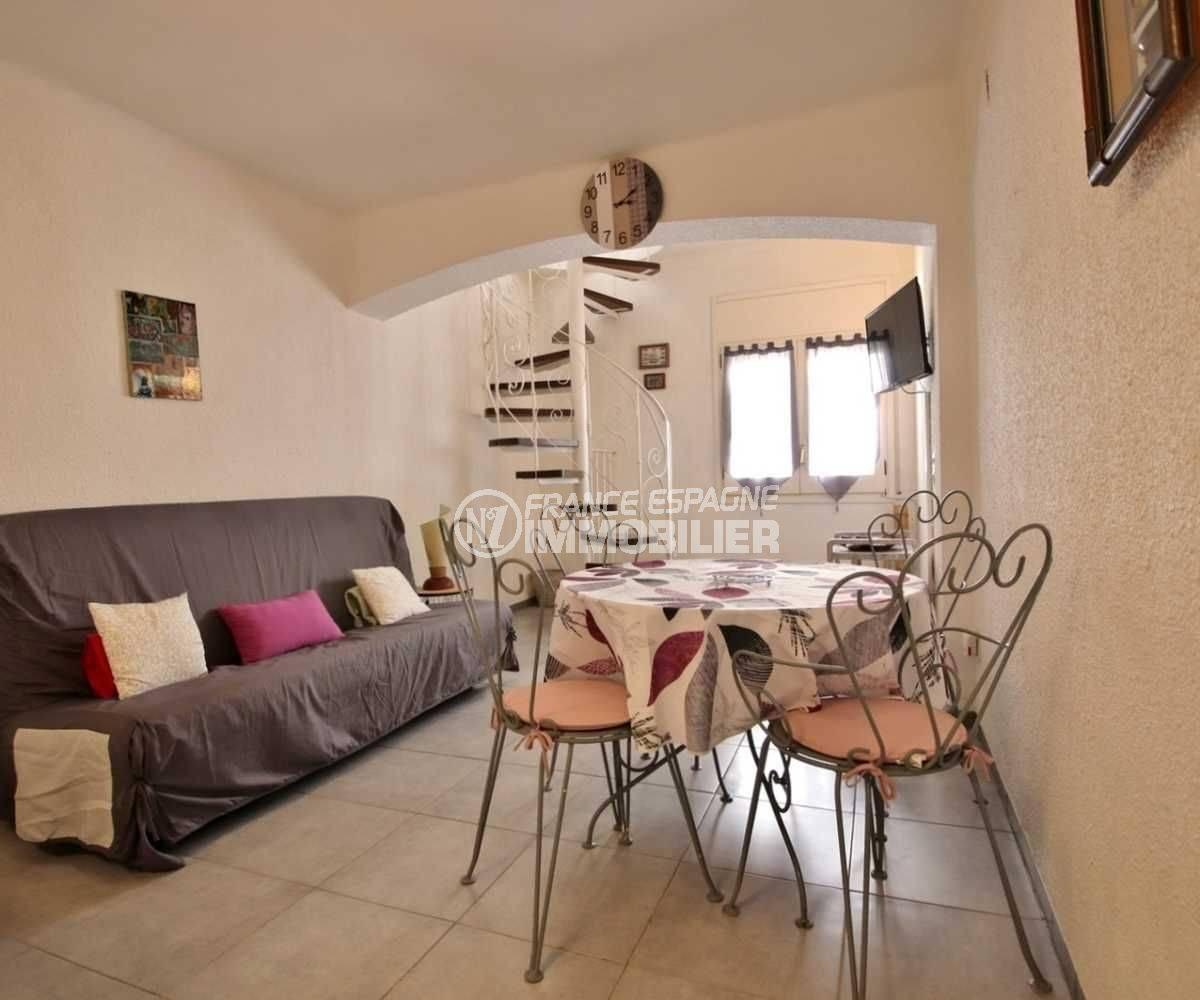 agence immobiliere empuriabrava: villa rénovée à 100 m de la plage, petit prix