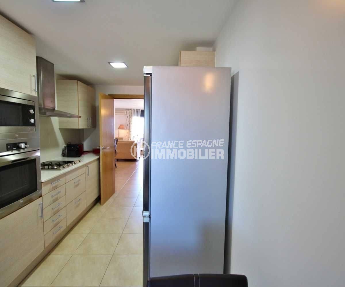 empuriabrava immobilier: appartement ref. 3695, la cuisine indépendante
