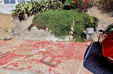 achat rosas espagne: villa 65 m², aperçu de la place de parking privé extérieur