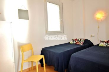 immo center roses, appartement ref.3694, vue chambre 2