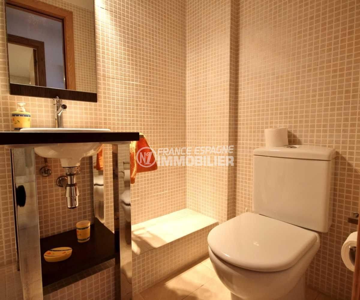appartement a vendre a empuriabrava: ref.3695, première salle de bains avec wc