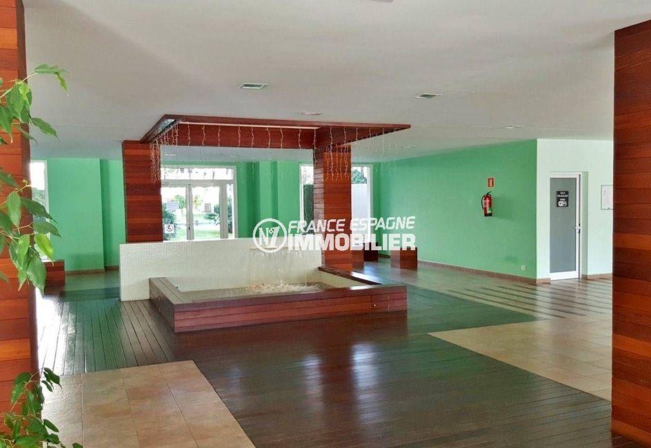appartement rosas vente: ref.3694, vue sur le hall de la résidence