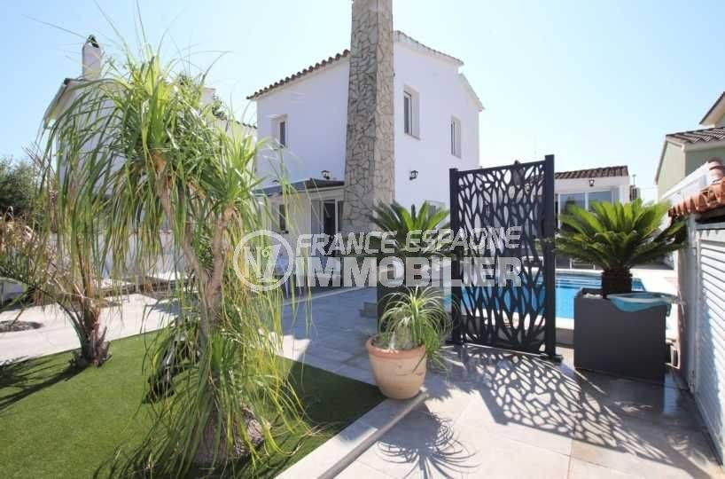 empuriabrava immobilier: villa ref.3720, amare de 10 m, piscine et garage 22 m²