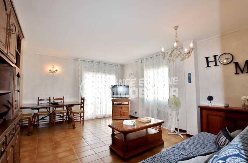appartement a vendre rosas, atico, grande terrasse proche plage