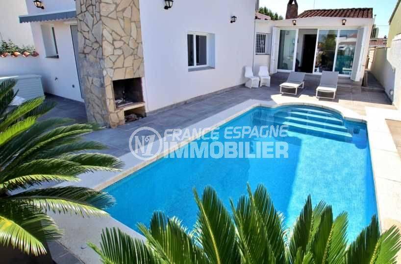 maison a vendre empuriabrava, standing, 3 chambres avec piscine & amarre