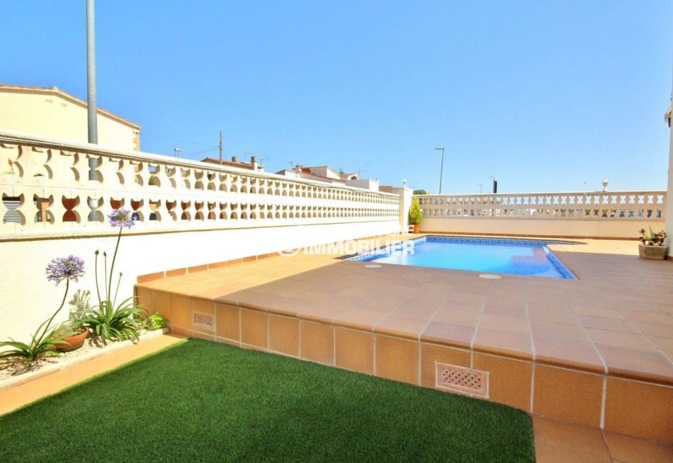 maison a vendre empuria brava, garage, terrain de 290 m² avec piscine