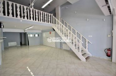 immobilier empuria brava: commerce local de 118 m², plage à 400 m exposition ouest