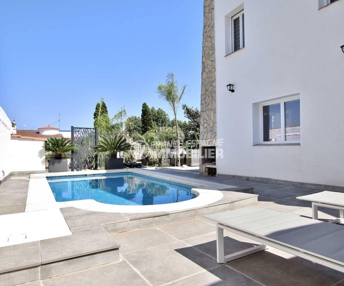 maison a vendre empuria brava, standing, 3 chambres avec piscine & amarre