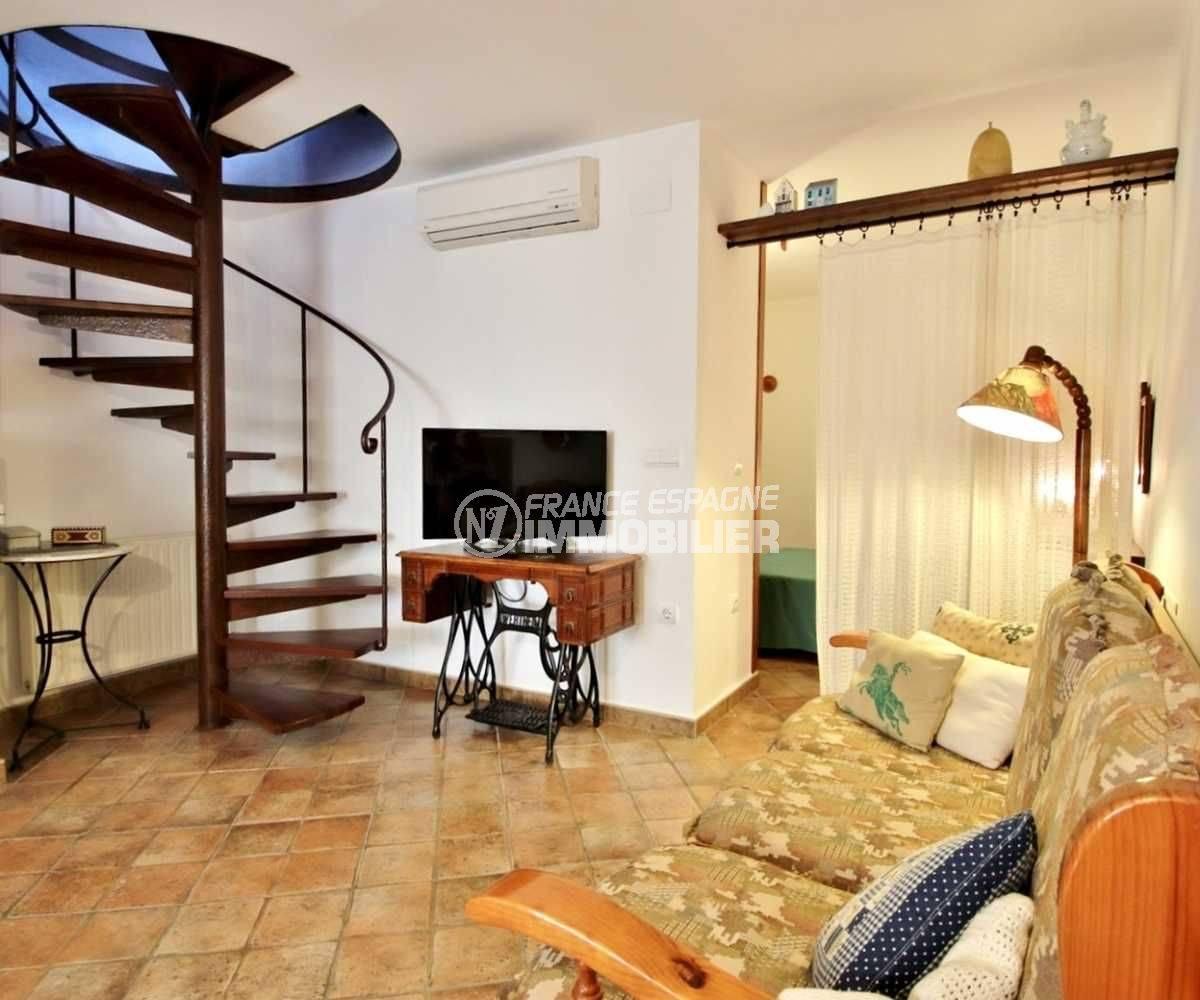 maison a vendre empuriabrava, ref.3714, vue sur l'escalier intérieur