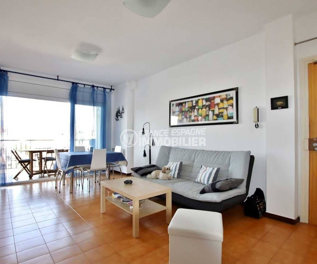 agence immobiliere francaise empuriabrava: appartement terrasse 9 m² vue canal, 2 amarres