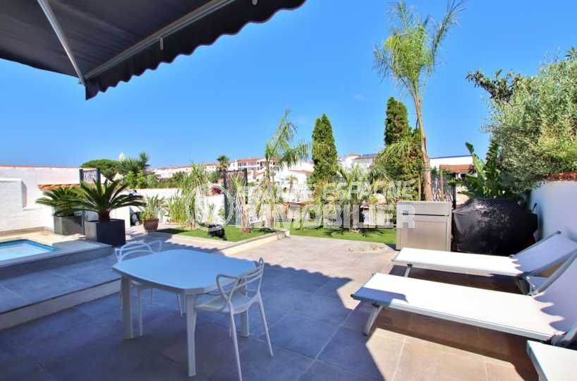 agence immo empuriabrava, vend villa standing avec piscine & amarre